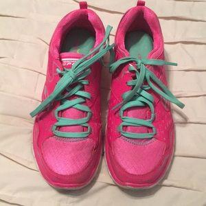 Skechers sport shoes size 8